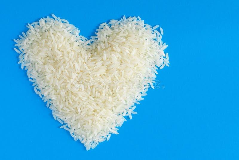 Рис жасмина в форме сердца стоковое изображение rf