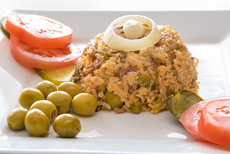 Рис желтого цвета креола кубинськой кухни традиционный стоковое фото rf