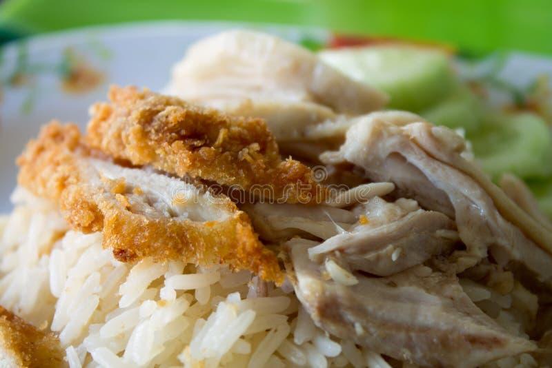 Рис испаренный с супом цыпленка стоковое фото rf