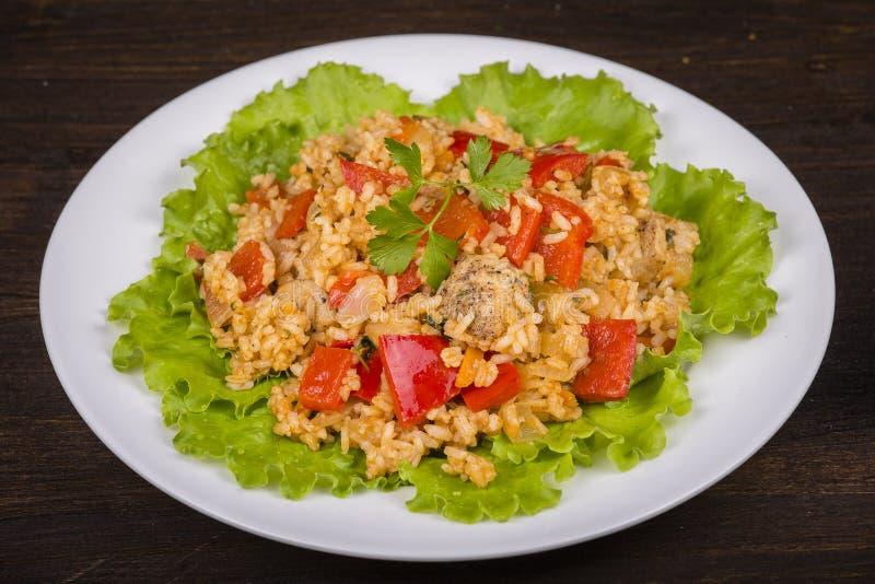 Download Рис с овощами и цыпленком в соусе карри Стоковое Фото - изображение насчитывающей петрушка, nutritious: 81809488