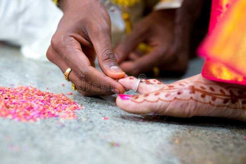 Ритуалы свадебной церемонии Kannadika стоковые изображения