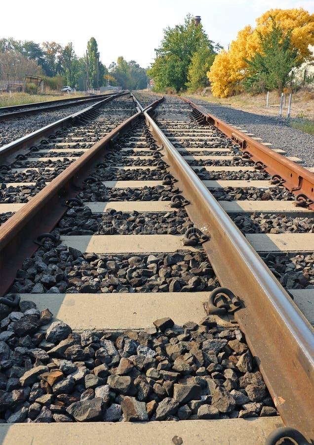 Ровная конфигурация железнодорожного пути скрещивания соединения или диаманта стоковая фотография rf