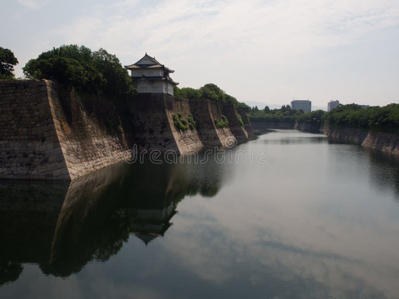 Ров вокруг замка в Осака стоковые фотографии rf