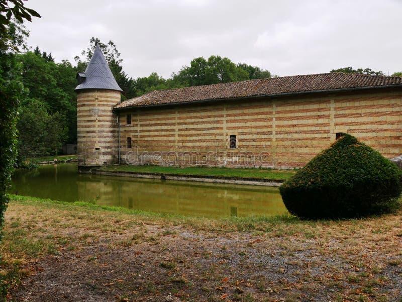 Ров замка Святого Cohiere Braux в Марна стоковое изображение