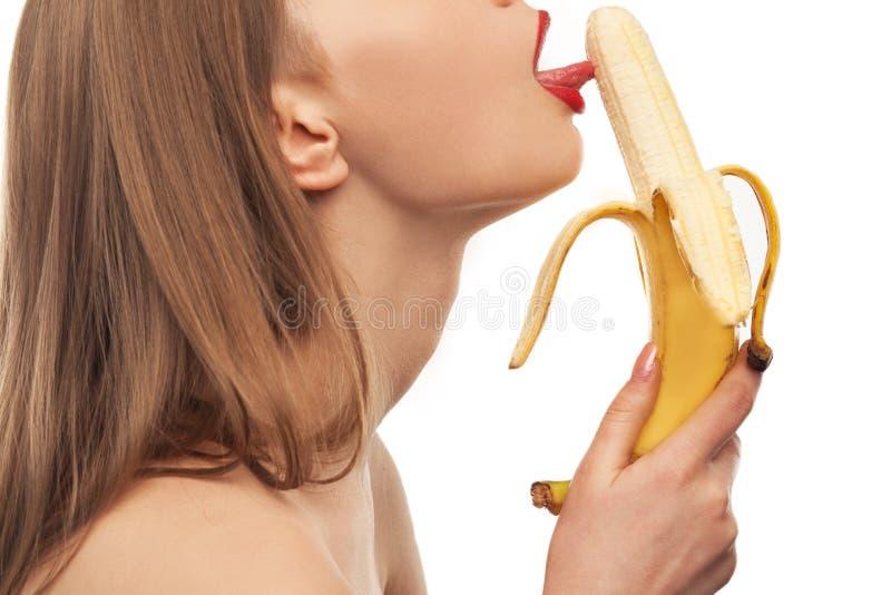 Применение банана для орального секса