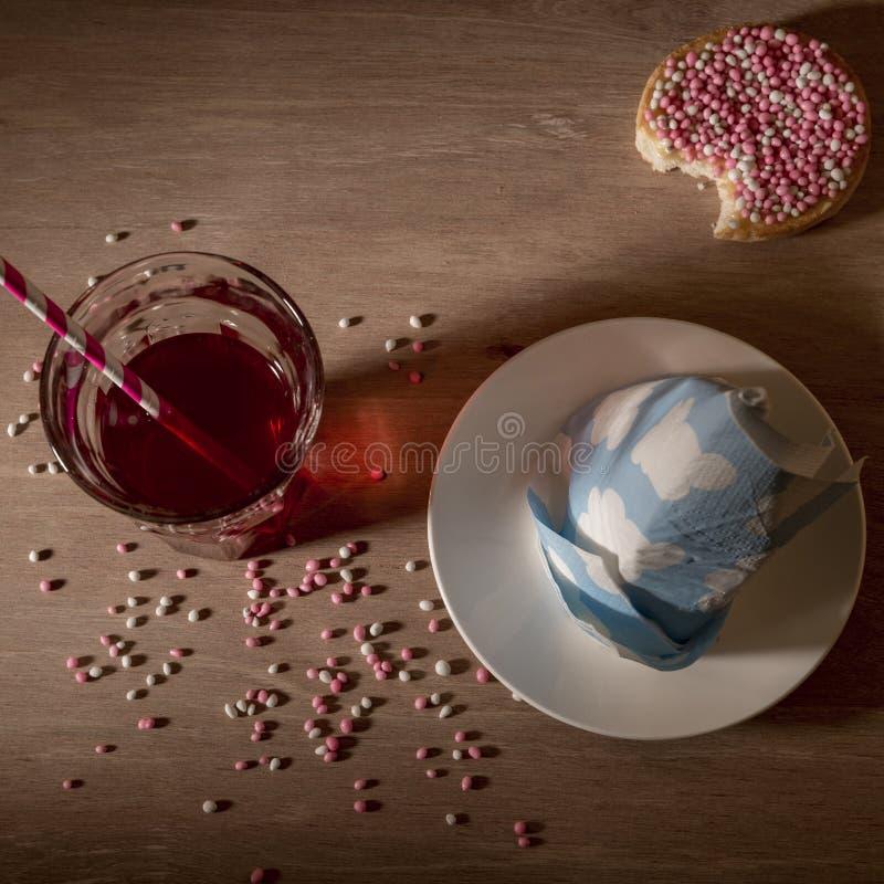 """рожденная счастливая новая Типичная голландская традиция Печенье с покрашенными """"мышами """" стоковые изображения"""