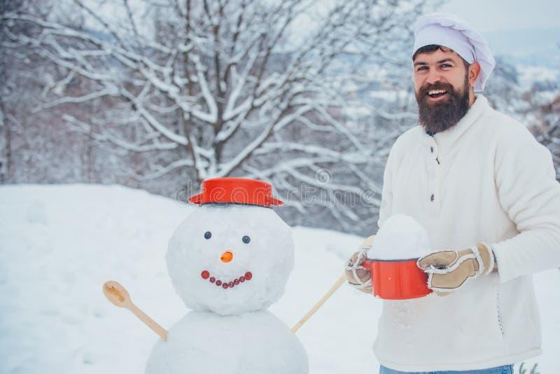 Рождественская кухня Концепция зимних праздников и людей Современная кулинария Санта-Деда стоковые фото