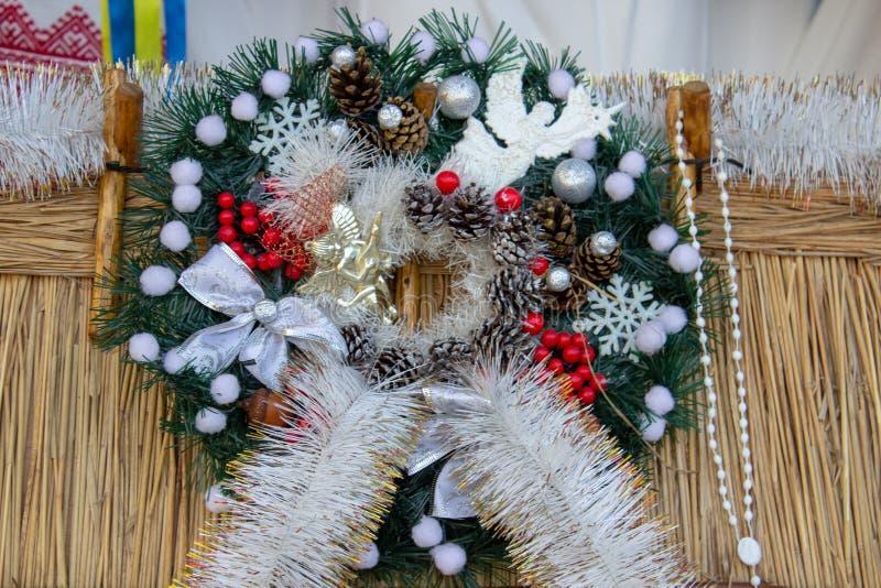 Рождественский венок, в хижине соломенный венок Рождества стоковые изображения rf