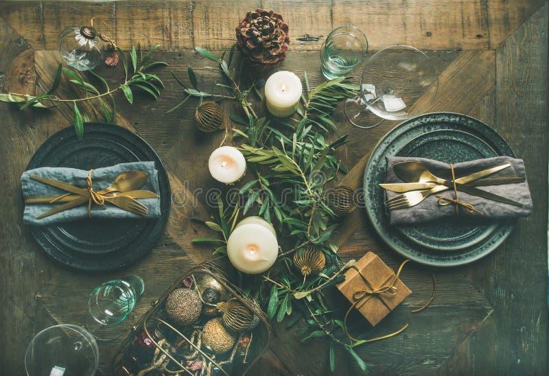 Рождество или кануна торжества Новые Годы сервировки стола партии стоковые фото