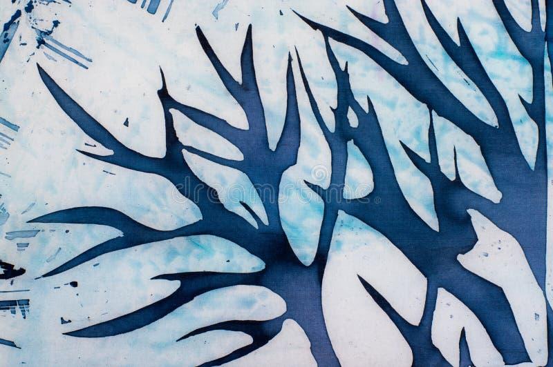 Рожки оленей, голубое дерево, бирюза, горячий батик бесплатная иллюстрация