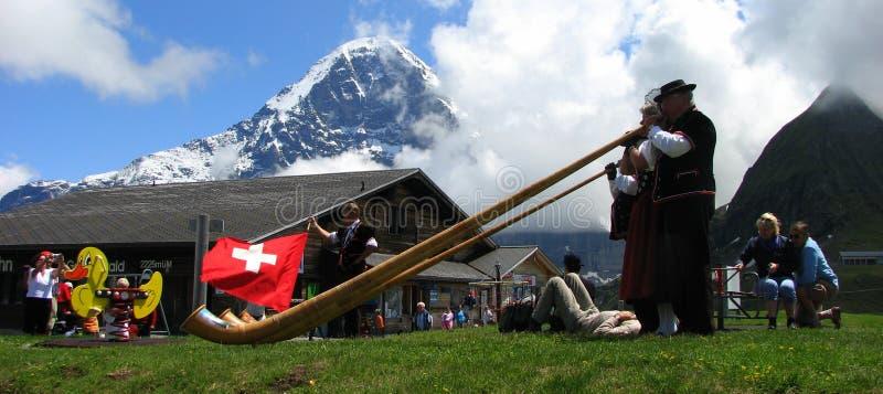 рожочок празднества alps фольклорный mannlichen стоковые фотографии rf