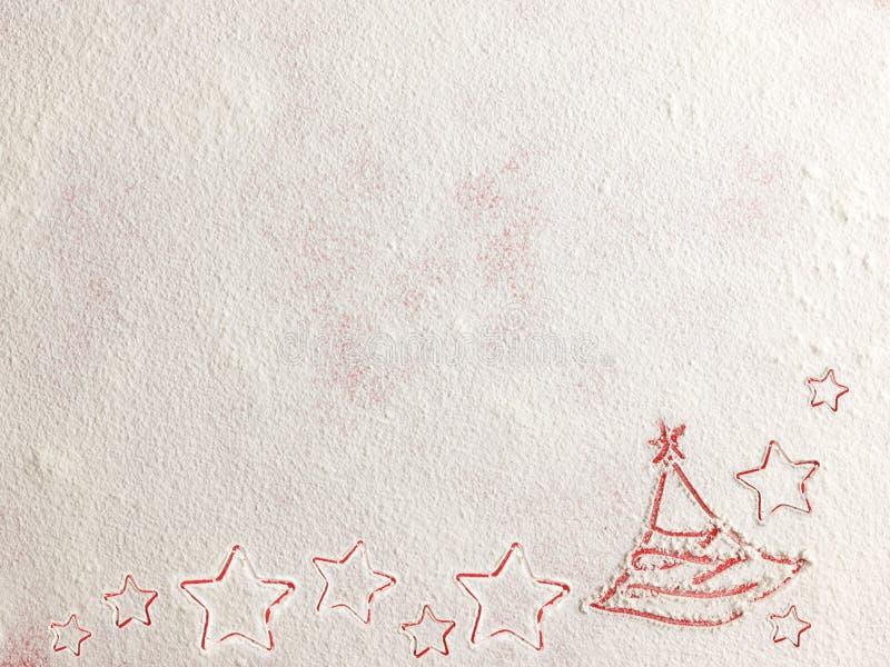 Рождественская елка на предпосылке муки Белая мука выглядеть как снег стоковое фото rf