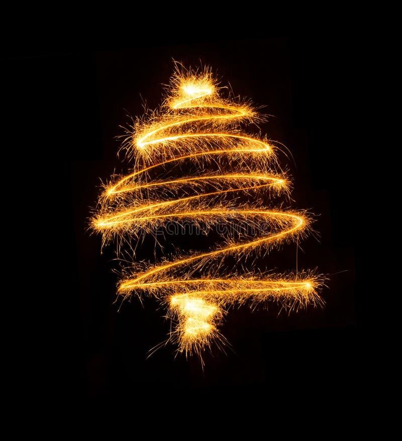 Рождественская елка сделанная бенгальским огнем на черноте иллюстрация штока