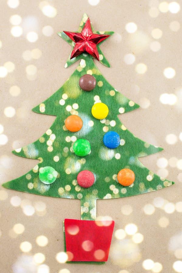 Рождественская елка украшенная с сладостными bonbons стоковое фото rf