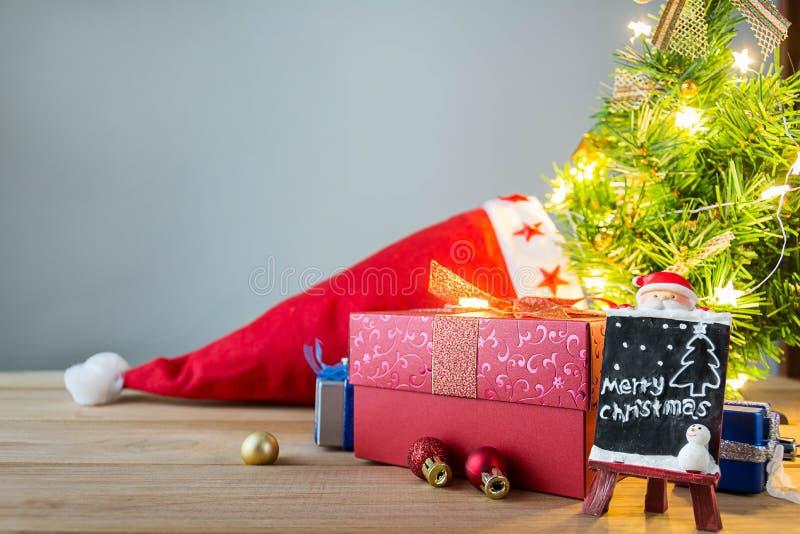 Download рождество веселое стоковое фото. изображение насчитывающей тесемка - 81813824