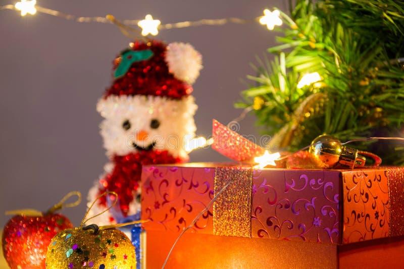 Download рождество веселое стоковое фото. изображение насчитывающей украшение - 81813842