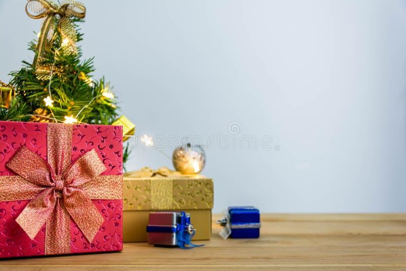 Download рождество веселое стоковое фото. изображение насчитывающей линия - 81813970