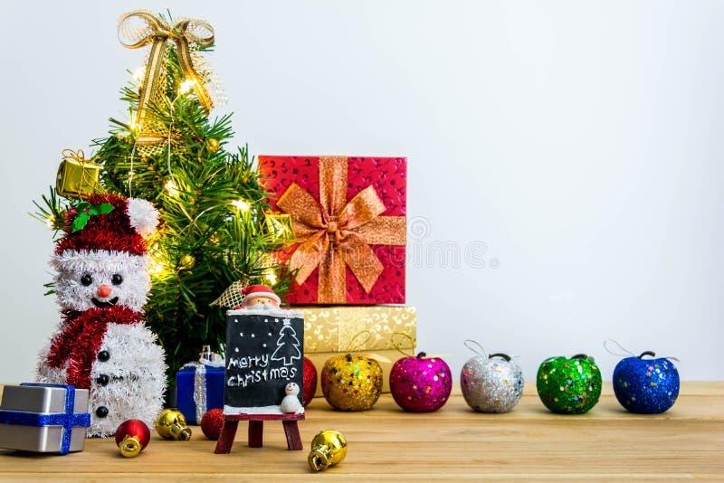 Download рождество веселое стоковое фото. изображение насчитывающей украшение - 81814014