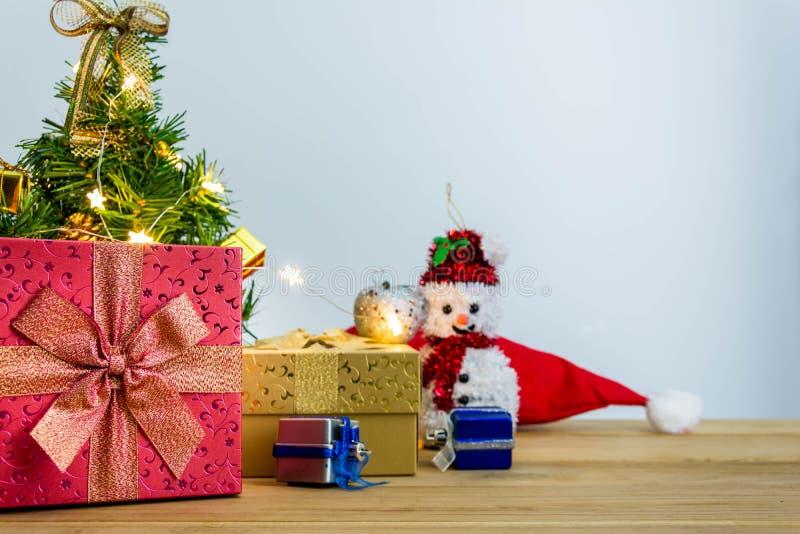 Download рождество веселое стоковое фото. изображение насчитывающей сырцово - 81814034