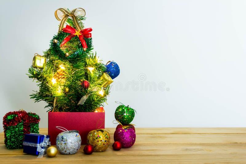 Download рождество веселое стоковое фото. изображение насчитывающей празднично - 81814046