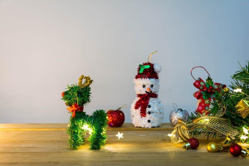 Download рождество веселое стоковое изображение. изображение насчитывающей подарок - 81814461
