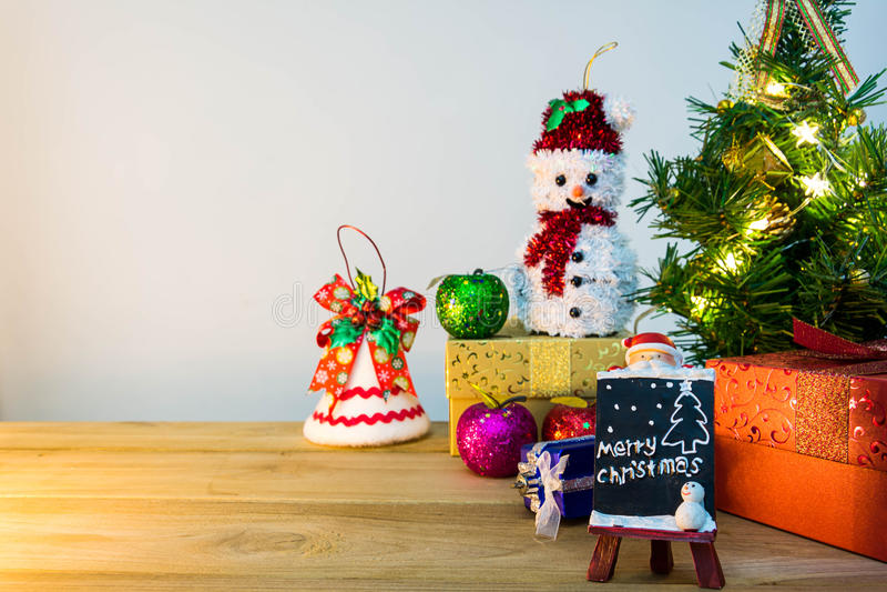 Download рождество веселое стоковое фото. изображение насчитывающей покупка - 81814680