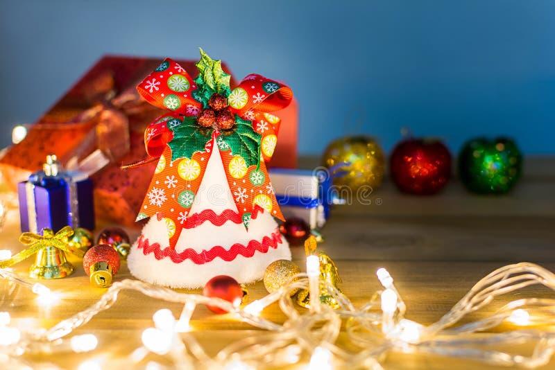Download рождество веселое стоковое изображение. изображение насчитывающей стол - 81814969
