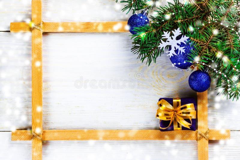 Download Рождество в рамке стоковое изображение. изображение насчитывающей конус - 81814145