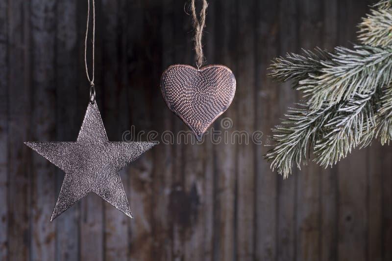 Рождество забавляется смертная казнь через повешение на ветви рождественской елки стоковое изображение