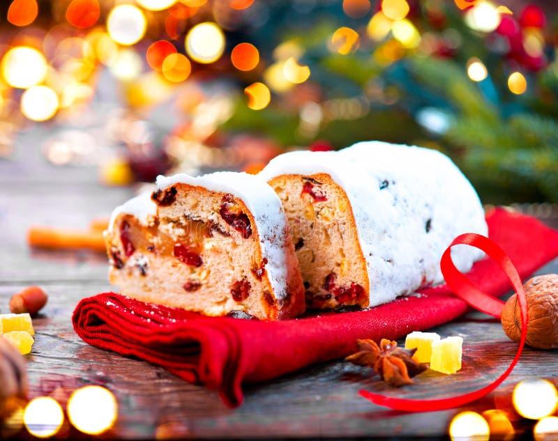 рождество stollen Традиционный сладостный хлебец плодоовощ стоковое фото rf
