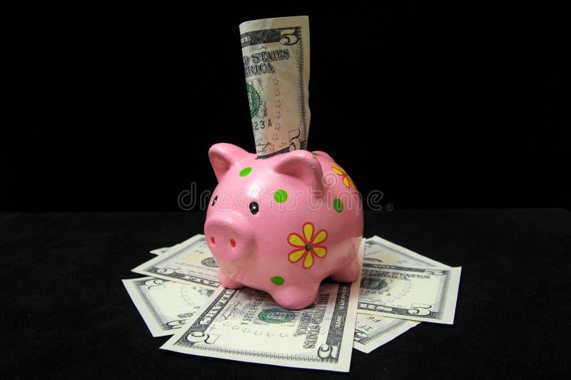 Download Розовая копилка свиньи стоковое фото. изображение насчитывающей пинк - 33734322