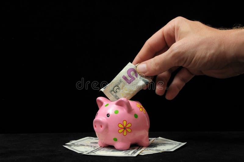 Download Розовая копилка свиньи стоковое фото. изображение насчитывающей дело - 33734356