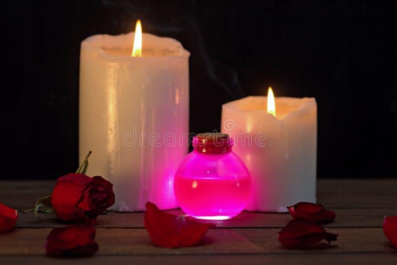 Розовое зелье влюбленности стоковые изображения