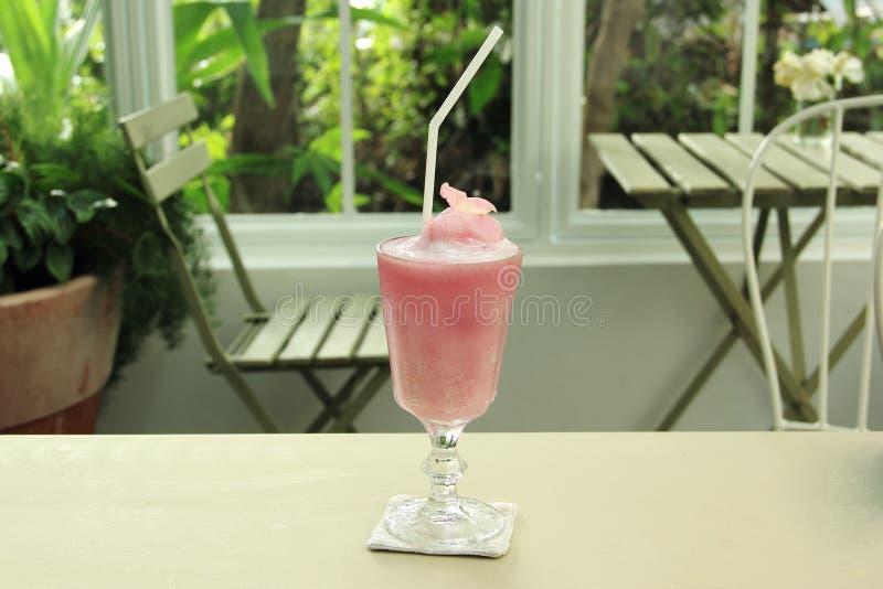 Розовые smoothies Lychee стоковое изображение
