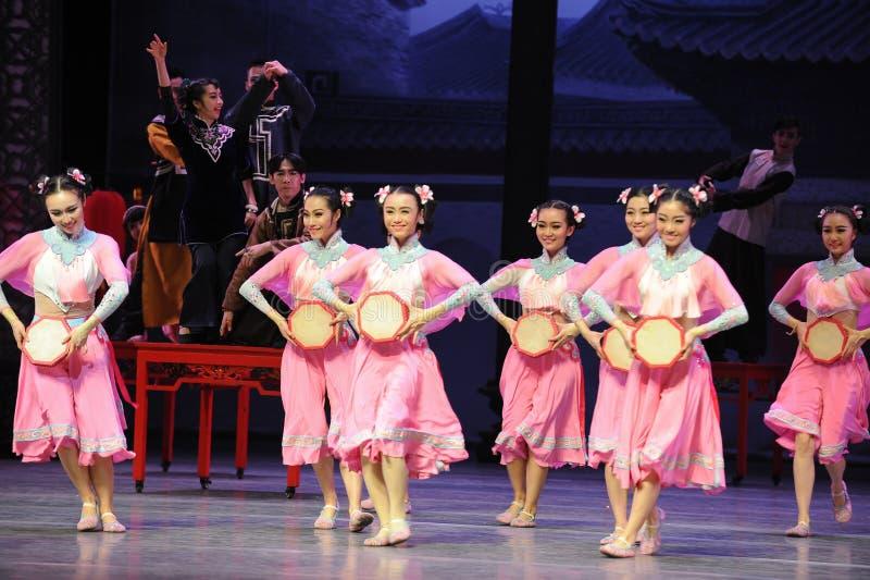 Розовый горничной- поступок сперва событий драмы-Shawan танца прошлого стоковое фото rf