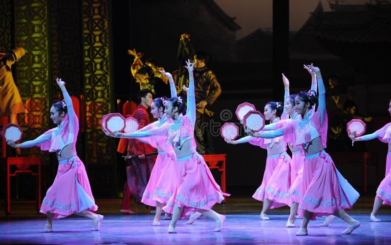 Розовый горничной- поступок сперва событий драмы-Shawan танца прошлого стоковое фото