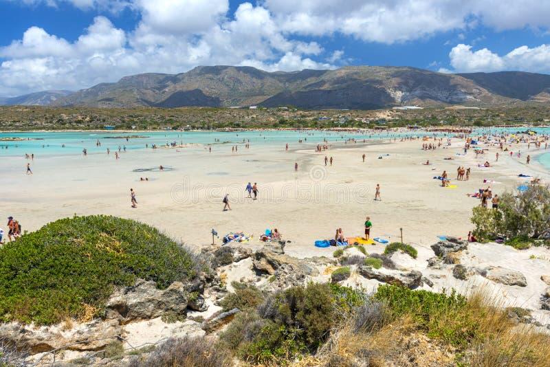 Розовый пляж песка Elafonissi стоковые изображения