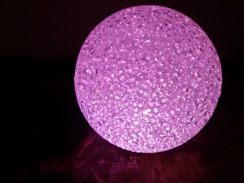 Розовый хрустальный шар стоковые изображения rf