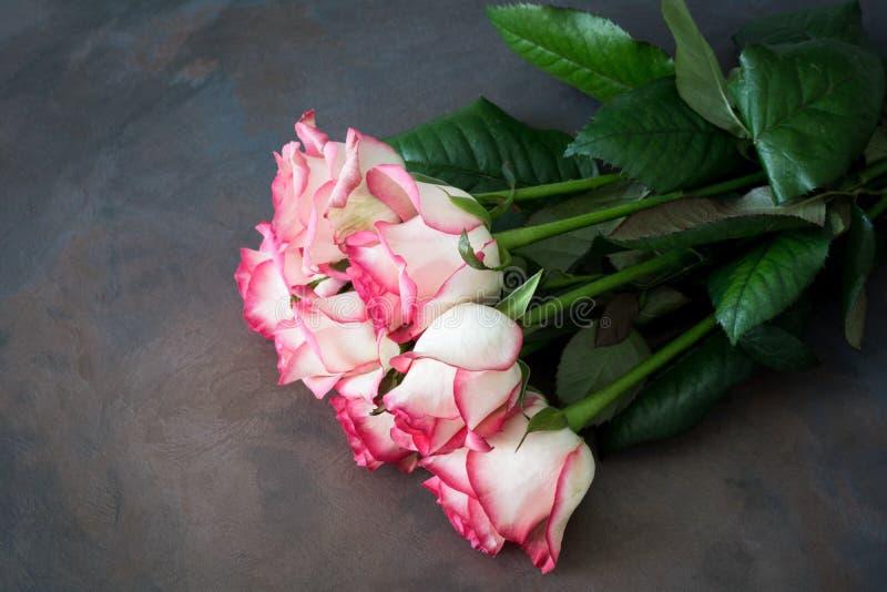 розы букета розовые стоковые изображения