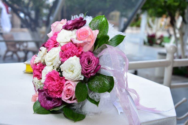 розы букета bridal розовые белые стоковое изображение