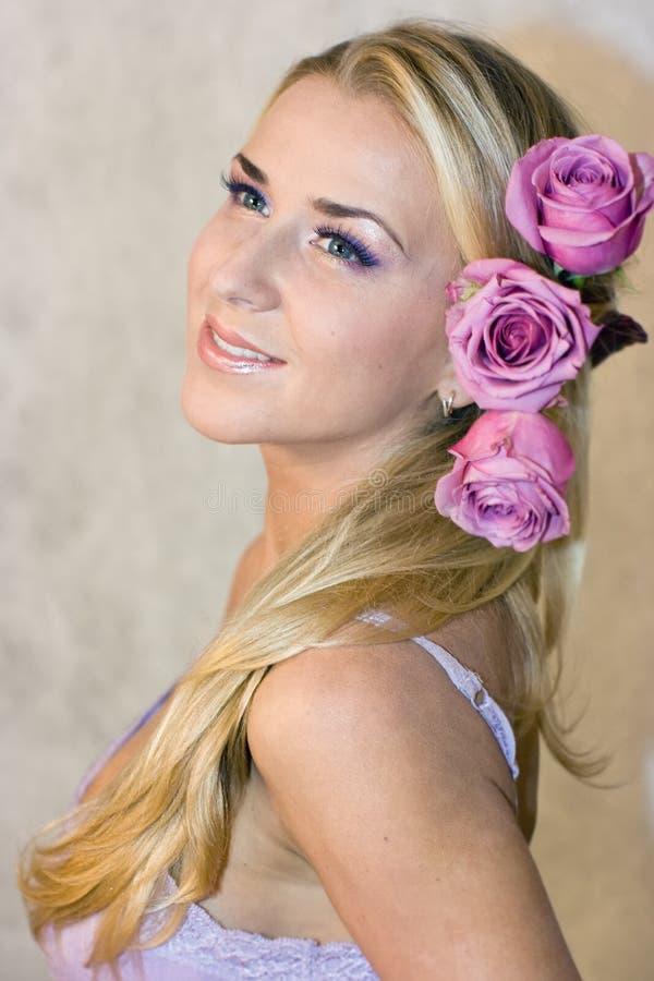 розы девушки стоковое фото