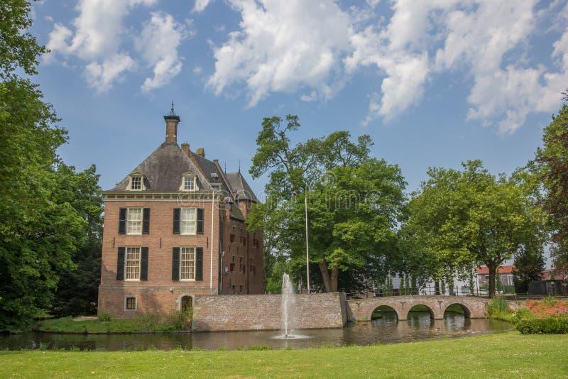 Рокируйте Kinkelenburg в историческом центре Bemmel стоковые изображения rf