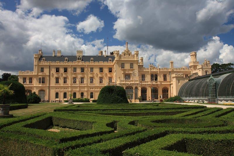 Рокируйте Lednice с садами в чехии в Европе, ЮНЕСКО стоковая фотография rf