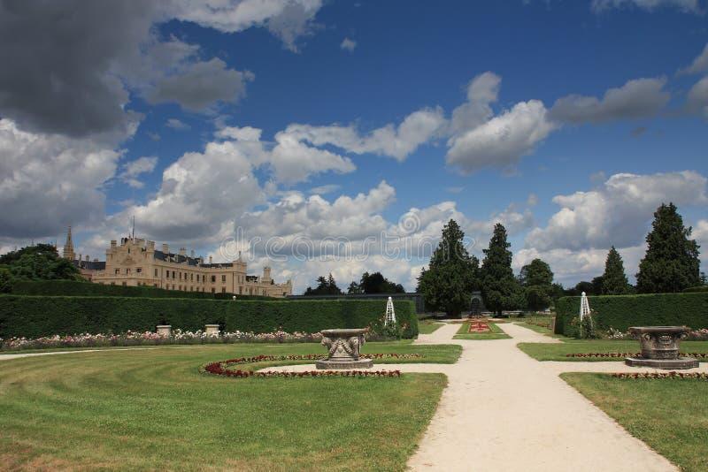 Рокируйте Lednice с садами в чехии в Европе, ЮНЕСКО стоковая фотография