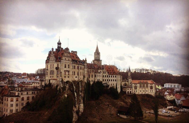 Download рокируйте sigmaringen стоковое изображение. изображение насчитывающей замок - 81801655