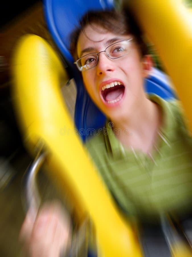 ролик riding каботажного судна мальчика screaming стоковое изображение