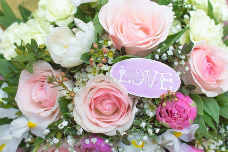Романтичная карточка с розовыми цветками стоковое фото