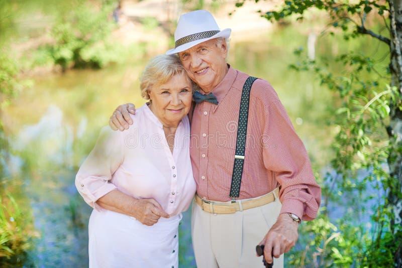 Романтичные старшии стоковое фото