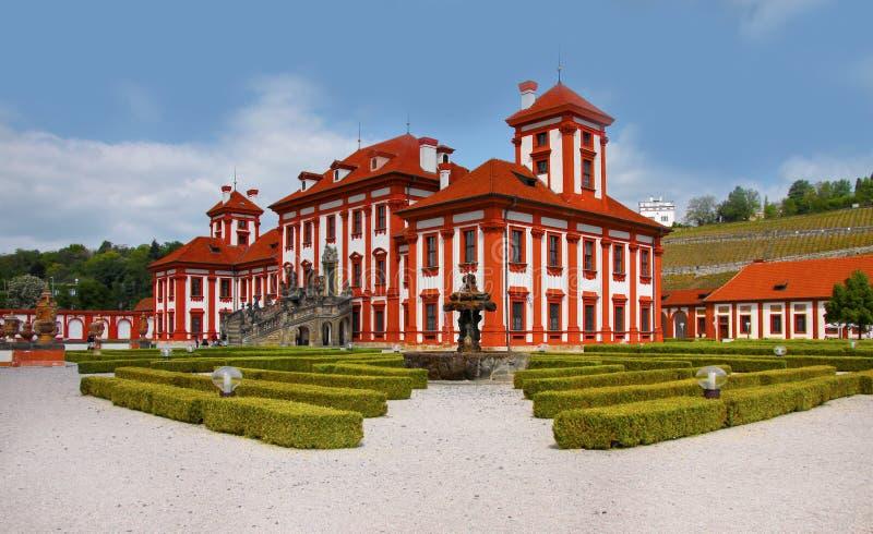 Романтичный замок Troja - Прага, наземный ориентир стоковые изображения rf