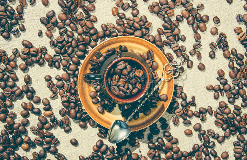 Романтичный кофе Ложка кофейной чашки и кофе года сбора винограда Комфорт дома стоковая фотография